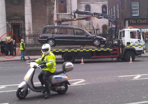 coche funebre policia