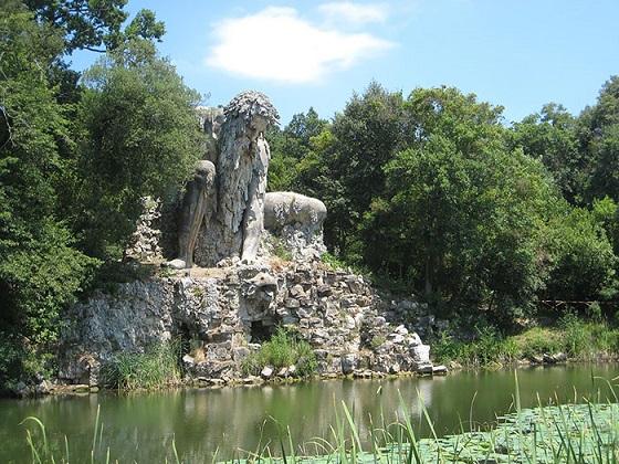 escultura montaña